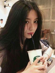 For Money ~ Kim Taehyung (Tamamlandı) - 🍒tanıtım Pretty Korean Girls, Cute Korean Girl, Beautiful Asian Girls, Korean Beauty, Asian Beauty, Playboy, Girl Korea, Ulzzang Korean Girl, Ulzzang Hair