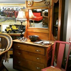 Vintage 3 Drawer Dresser with Mirror!