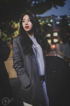 채영 。chaeyoung 。twice Nayeon, Kpop Girl Groups, Kpop Girls, K Pop, Rapper, Chaeyoung Twice, Twice Kpop, Dahyun, Entertainment