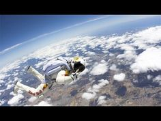 Photos: Skydiver Falls 13 Miles in 'Space Jump' Practice Buy Solar Panels, Solar Panel System, Solar Energy System, Solar Powered Lamp, Advantages Of Solar Energy, Space Photos, Paragliding, Skydiving, Save The Planet