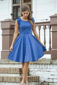 Vestido azul listrado