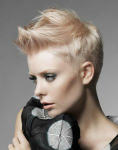 Have no new ideas about pixie hair styling? Find out the latest and trendy pixie hairstyles and haircuts in Check out the ideas at TheRightHairstyles. Faux Hawk Hairstyles, Funky Hairstyles, Thin Hair Haircuts, Short Hairstyles For Women, Short Haircuts, Popular Haircuts, Wedding Hairstyles, Hair Styles 2014, Short Hair Styles