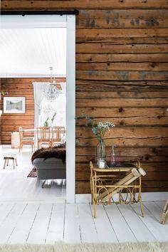 Cabin Interiors, Rustic Interiors, White Cabin, Rustic Cabin Decor, Ranch Style Homes, Farmhouse Interior, Scandinavian Home, Log Homes, Westerns