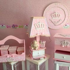 #abajur #kit de bebe  #porta fraldas #porta de maternidade  #ursinha de tecido  #coroa # princesa  #baby #bebe  #cesta com potes #arte #artesanato #anapolis #goias                                                                                                                                                                                 Mais