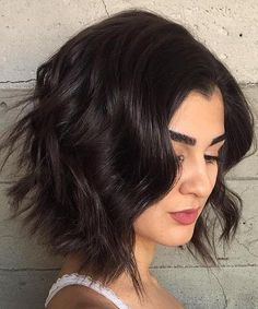 Gorgeous Short Thick Wavy Hairstyles 2018 for Women to Look Young