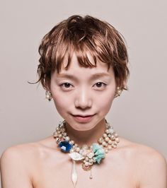 LILI / AYA NAKAMAKI 髪型 ヘアカタログ ショート hairstyle Grown Out Pixie, Creative Hairstyles, Short Styles, Grow Out, Natural Curls, Short Cuts, Perm, Lady Hair, Hair Cuts