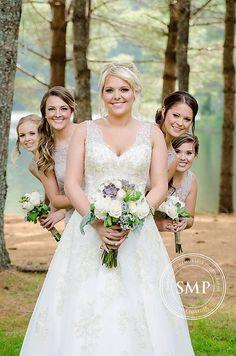love everyone's natural look, especially the bride