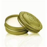 Kissable Lips with Coconut Lip balm Natural Coconut Oil, Coconut Oil For Skin, Face Cream For Men, Lip Care Tips, Homemade Lip Balm, Kissable Lips, Dry Lips, Dry Skin, Orange Oil
