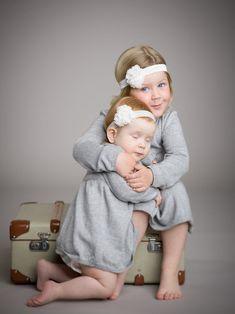 Søskenfotografering Fotograf i Tønsberg som fotograferer barnebilder familie familiebilder aktfoto dans og bryllup Dance In, Photo Studio