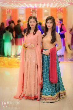 Woww i love it dress 😗😍 Pakistani Formal Dresses, Shadi Dresses, Pakistani Wedding Outfits, Indian Dresses, Pakistani Clothing, Choli Dress, Mehndi Dress, Beautiful Dresses, Nice Dresses