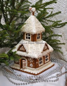 Trendy Ideas For Cookies Christmas House Ginger Bread Gingerbread House Designs, Gingerbread Village, Gingerbread Decorations, Christmas Gingerbread House, Christmas Treats, Christmas Baking, Christmas Home, Gingerbread Cookies, Christmas Decorations