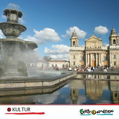 #Stadt #Tropenhelm #Straße #Bau #Vergangenheit #Epoche #früheres #MittelAmerika #Kultur #Entdecken #Reisen