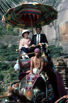 Judy Davis and Victor Banerjee in A Passage to India