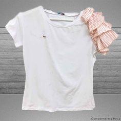 659d0b23dc Comprar Camiseta volante rayas mujer. Camiseta de mujer con volantes de manga  corta en blanca
