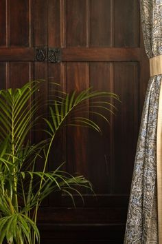 Vintage cabinet stands and green plant around the house | Home Tour: A beautiful Antique Modern home in Bangalore ~ The Keybunch Decor Blog Makes You Beautiful, Beautiful Homes, Brick Cladding, Vintage Cabinet, Vintage Trunks, Tanjore Painting, Stone Flooring, Green Plants, Decorating Blogs