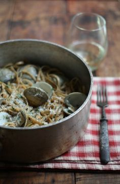 Clams and Linguine in a White Wine Sauce