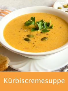 When the delicious pumpkins are ripe in autumn, this recipe for ki … - Suppe Low Carb Recipes, Healthy Recipes, Cauliflower Soup Recipes, Detox Soup, Easy Snacks, Pumpkin Recipes, Clean Eating Recipes, Soups And Stews, Superfood