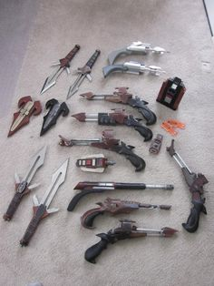 The Klingon collection (Minus mekleth & bat'leth) of 'kertratz', from the Replica Prop Forum