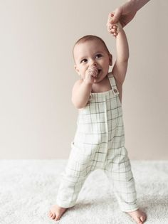 Straight neck overalls with buttoned straps. Side patch pocket and seam detail. Zara United Kingdom, Zara United States, Freddie Reign, Baby Outfits Newborn, Overalls, Dungarees, Leggings, Mini, Jumpsuits