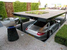 http://agitare-kurzartikel.blogspot.com/2012/04/noblesse-luxus-labels-luxus-pur-das.html  nice way to keep the Porsche safe