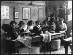 A Bygone Era: holdthisphoto: Hat-making at Maison Lewis, 1910 ...