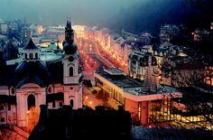 V Bohemia-lázních, a. s., Karlovy Vary roste počet českých návštěvníků. Karlovy Vary stojí o českou klientelu. Lázně Karlovy Vary mají tolik přívlastků, jako žádné jiné na území bývalého Československa. Možná o nich právem prohlásit, že jsou mezinárodně nejznámější, nejnavštěvovanější, nejproslulejší a nejstarší. Svou slávu odvozují od císaře Karla IV., který je založil.