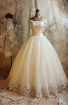 Long Ball Gown Lace Wedding Dresses,Beaded Back Up Lace Wedding Gowns,Bridal Gowns On Sale