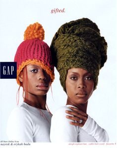 Erykah Badu and her sister /// I look at this pic often and I still can't figure which one of Erykah's back-up singers she is. Maybe she's not still singing with her, or maybe I got it wrong.