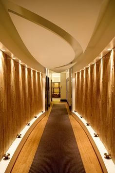 Chuan Spa to Treatment Rooms different palette- love the feeling as move through… Spa Treatment Room, Spa Treatments, Spa Design, Deco Spa, Spa Lighting, Corridor Lighting, Hotel Corridor, Spa Hotel, Houses