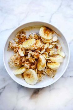 Instant Pot Maple Syrup and Brown Sugar Oatmeal with Bananas and Nuts Instant Pot Oatmeal Recipe, Oatmeal Recipes, Oatmeal Toppings, Banana Recipes, Super Healthy Recipes, Healthy Snacks For Kids, Healthy Lunches, Healthy Breakfasts, Healthy Foods