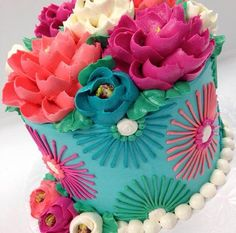 There are several means to place a finishing touch in your own cake decorating job. Employing these things allow you to liven up a plain cake. Pretty Cakes, Beautiful Cakes, Amazing Cakes, Buttercream Flowers, Buttercream Cake, Cupcakes, Cupcake Cakes, White Flower Cake Shoppe, Plain Cake