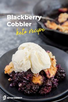 This keto blackberry cobbler combines fresh blackberries and a simple crumb topping to create the perfect spring time dessert! Ketogenic Desserts, Low Carb Desserts, Keto Snacks, Low Carb Recipes, Dessert Recipes, Ketogenic Diet, Free Recipes, Dinner Recipes, Healthy Recipes