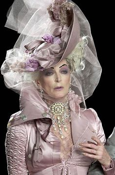 A PRETTY LIFE: THE WORLD's OLDEST MODEL - CARMEN DELL''OREFICE*** Кармен Делл'Орефис