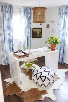 Old, outdated curtains can ruin a room. Give your window treatments the makeover they deserve with these easy ideas. Tie Dye Curtains, No Sew Curtains, How To Make Curtains, Bedroom Curtains, Office Curtains, Inexpensive Curtains, Diy Home Decor, Room Decor, Home Office