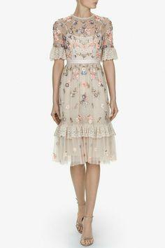 ef411c89a80e 18 najlepších obrázkov z nástenky Elegantné oblečenie pre moletky