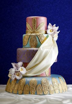 Wedding Cakes :: Arabian Nights    http://www.mandalayplace.com/things-to-do/weddings/wedding-cakes.aspx#