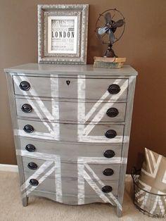 grey union jack dresser