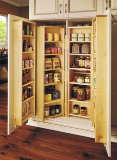 Kitchen Pantry Furniture is the Suitable Thing for Your Kitchen - http://bcanes.com/kitchen-pantry-furniture-is-the-suitable-thing-for-your-kitchen/