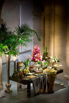 Need some floral inspiration for your upcoming event? Here are some examples of buffet table compositions that we have designed for events in the past. Call us today for a consultation at 617-482-6272 #theworldofmarchalldesign #eventdesign #floraldesign #flowers #luxurywedding #buffettablecomposition