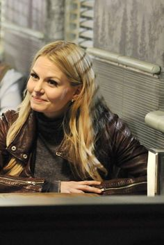 Once Upon a Time season 3 episode 21 emma Abc Tv Shows, Best Tv Shows, Best Shows Ever, Once Upon A Time, Time News, Hook And Emma, Outlaw Queen, Tv Episodes, Jennifer Morrison