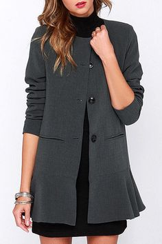 Flouncing Round Neck Long Sleeve Coat http://www.zaful.com/flouncing-round-neck-long-sleeve-coat-p_103780.html