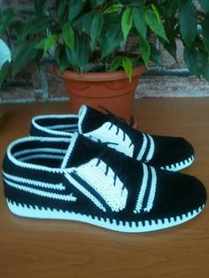 Crochet Boots, Crochet Slippers, Slipper Sandals, Shoes Sandals, Flip Flop Sandals, Diy, Sneakers, Handmade, Fashion