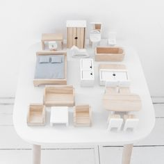 Trendy wooden dolls house ➥ Includes furniture set ✔ Timeless design ✔ Fun for all children ✔ See the exclusive Petite Amélie doll house here Wooden Dolls House Furniture, Doll Furniture, Furniture Sets, Large Wooden Dolls House, Barbie House Furniture, Modern Dollhouse Furniture, Furniture Plans, Wooden Dollhouse, Diy Dollhouse