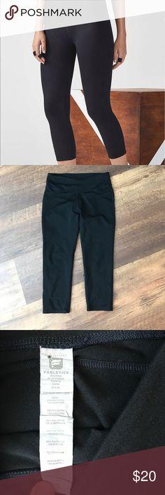 Fabletics black Capri, like new Excellent condition, super flattering black Capri Fabletics Pants Capris