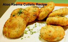 Different and unique style of aloo keema cutlets recipe, you can freeze them for long time. Halal Recipes, Cheese Recipes, Potato Recipes, Asian Recipes, Ethnic Recipes, Potato Cutlets, Food Tips, Food Hacks