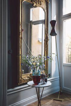 A Parisian inspired interior in Sweden. — The Decorista A Parisian inspired interior in Sweden. — The Decorista Cheap Furniture, Luxury Furniture, Furniture Design, Antique Furniture, Rustic Furniture, Outdoor Furniture, Lobby Furniture, Antique Interior, Victorian Furniture
