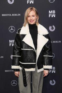 Berlin, Fur Coat, Winter Jackets, Fashion, Winter, January, Winter Coats, Moda, Winter Vest Outfits