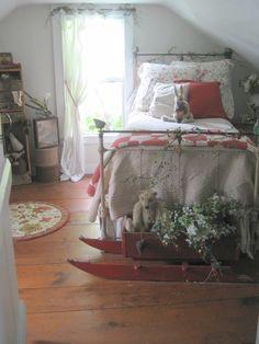bedroom with iron bed - looks so comfortable Pretty Bedroom, Cozy Bedroom, Bedroom Decor, Magical Bedroom, Bedroom Ideas, Shabby Bedroom, Bedroom Red, Decorating Bedrooms, Design Bedroom