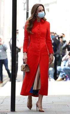 Looks Kate Middleton, Estilo Kate Middleton, Kate Middleton Fashion, Scarlet, Princesa Kate, National Portrait Gallery, Princess Charlotte, Looks Style, Royal Fashion