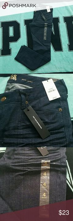 Express Zelda Skinny Jean Brand new dark wash Zelda Skinny Jean, never worn, 29 inch inseam, slim fit, cute with heels or tucked into boots or with flats Express Jeans Skinny